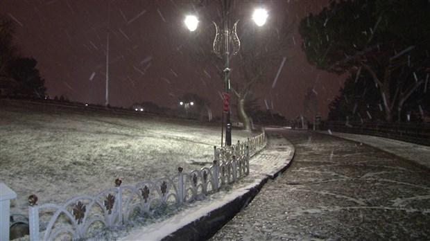 istanbul-da-kar-yagisi-etkisini-surduruyor-841293-1.
