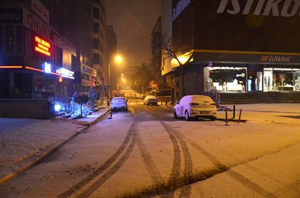 istanbul-da-kar-yagisi-etkisini-surduruyor-841295-1.