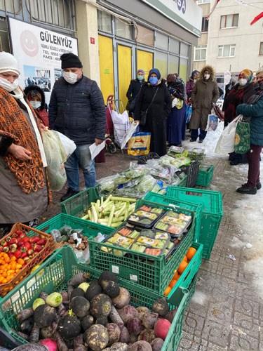 istanbul-un-gobeginden-yoksulluk-manzaralari-yurttas-torbasini-carik-curukle-dolduruyor-842070-1.