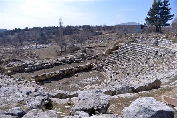 2-bin-300-yillik-uzuncaburc-antik-kenti-restore-edilecek-842630-1.