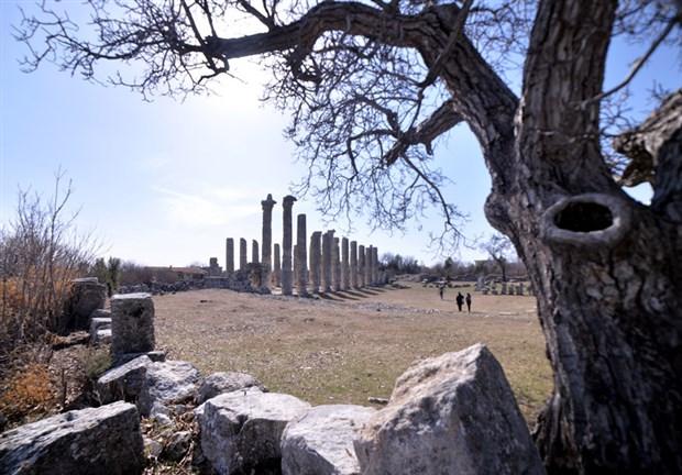 2-bin-300-yillik-uzuncaburc-antik-kenti-restore-edilecek-842631-1.