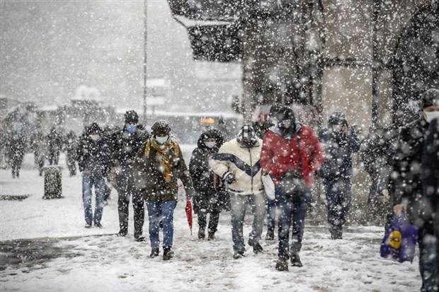 fotograflarla-istanbul-da-kar-yagisi-842548-1.