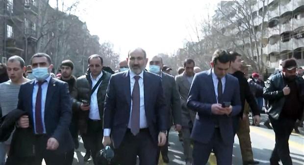 ermenistan-da-darbe-girisimi-ordu-pasinyan-in-istifasini-istedi-845710-1.