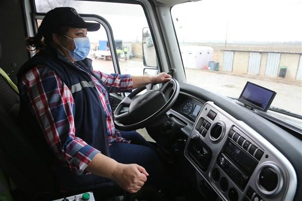odunpazari-nda-cop-kamyonu-soforlugu-yapan-kadinlar-erkek-isi-diye-bir-sey-yok-849610-1.
