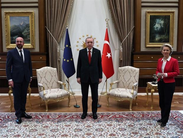 times-ab-yeni-goc-dalgasini-onlemek-icin-erdogan-a-daha-fazla-para-teklif-etti-861722-1.