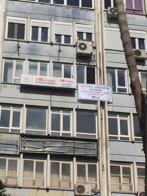 sol-parti-artvin-il-orgutu-hakkinda-istanbul-sozlesmesi-nedeniyle-arama-karari-il-baskani-gozaltina-alindi-862674-1.