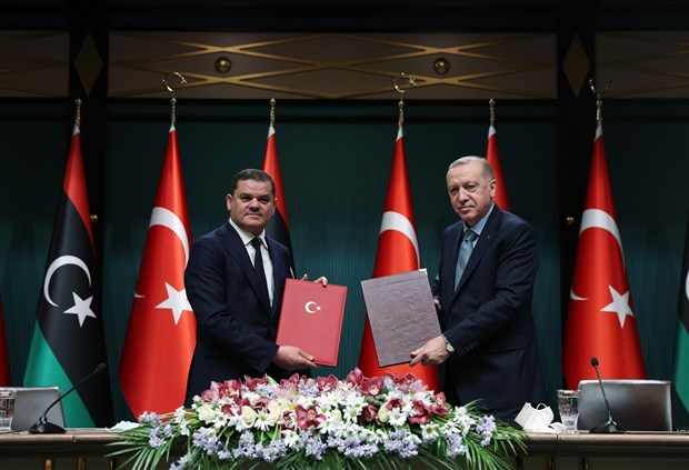 erdogan-libya-ile-5-anlasma-imzalandigini-duyurdu-libya-ya-150-bin-doz-asi-verecegiz-863770-1.