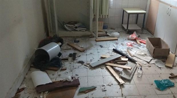 hasta-yatak-bulamiyor-25-yatakli-hastane-curuyor-foca-eski-devlet-hastanesi-curumeye-terk-edildi-864915-1.