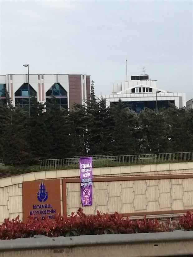 istanbul-un-dort-bir-yani-istanbul-sozlesmesi-pankartlariyla-donatildi-865031-1.