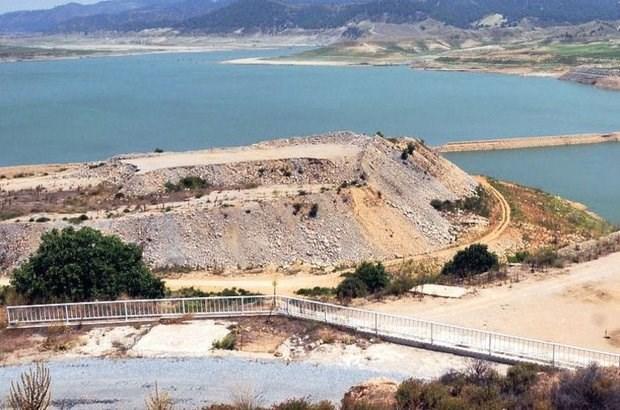gordes-baraji-nda-maliyet-tasarrufu-nedeniyle-gerekli-onlemler-alinmamis-saniyede-2-bin-litre-su-kacagi-var-865773-1.