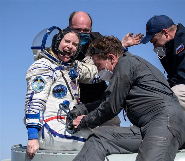 soyuz-ms-17-uzay-araciyla-3-astronot-dunya-ya-dondu-865783-1.