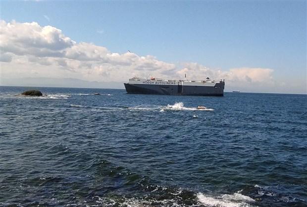 180-metrelik-gemi-tuzla-da-karaya-oturdu-866749-1.