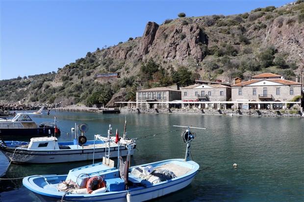 assos-antik-limani-afet-bolgesi-ilan-edildi-turistik-tesisler-kapatildi-869076-1.