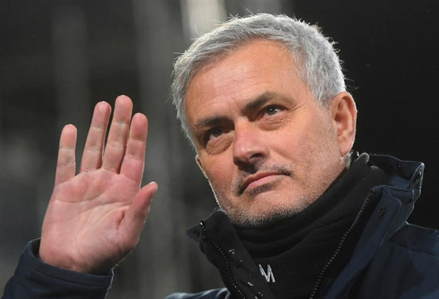 mourinho-italya-ya-geri-dondu-yeni-adres-roma-872152-1.