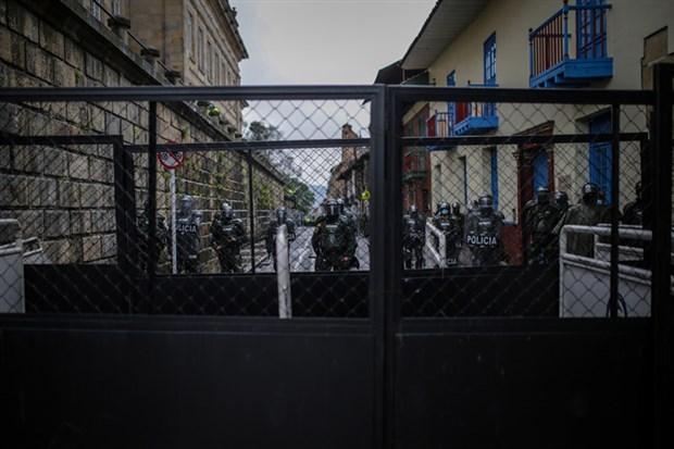 kolombiya-da-halk-mucadeleden-vazgecmiyor-sagci-hukumet-siddeti-artiriyor-872813-1.