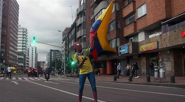 kolombiya-halki-mucadeleden-vazgecmiyor-protestolarin-10-gununde-halk-sokaklarda-873502-1.