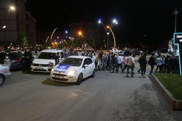 turkiye-nin-bircok-ilinde-israil-i-protesto-etmek-icin-sokaga-cikildi-kisitlamaya-ragmen-araclarla-konvoy-yapildi-874405-1.