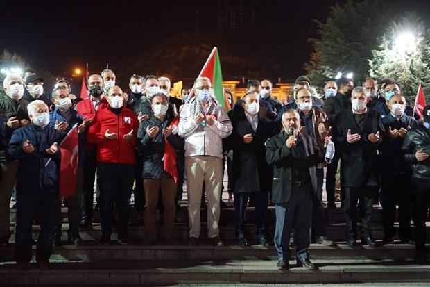 turkiye-nin-bircok-ilinde-israil-i-protesto-etmek-icin-sokaga-cikildi-kisitlamaya-ragmen-araclarla-konvoy-yapildi-874406-1.