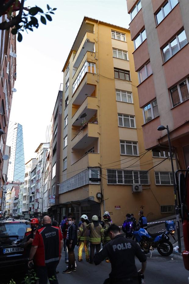 sisli-de-cokme-tehlikesi-olan-6-katli-binada-oturanlar-tahliye-edildi-875828-1.
