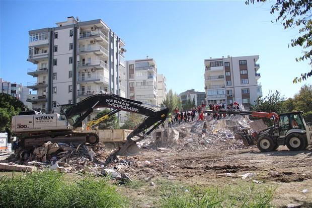 izmir-de-11-kisinin-hayatini-kaybettigi-apartman-1975-yonetmeligi-ne-bile-aykiri-yapilmis-890189-1.