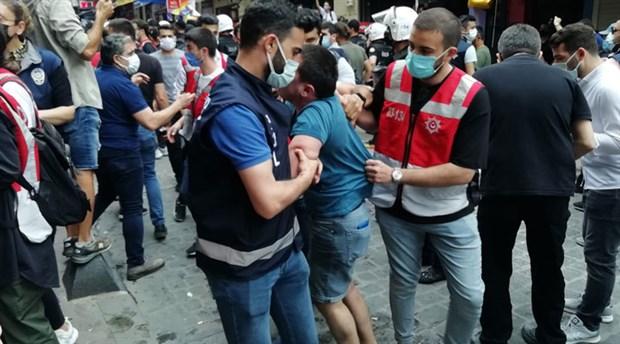 istanbul-da-onur-yuruyusu-ne-polis-mudahalesi-gozaltilar-var-892320-1.