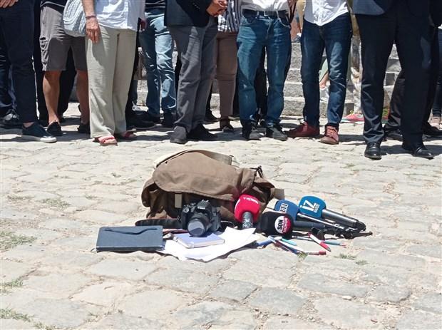 gazeteciler-ankara-ve-istanbul-dan-haykirdi-gazeteciligi-bogamayacaksiniz-893365-1.