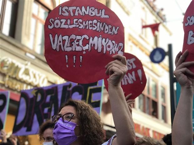 kadinlardan-istanbul-sozlesmesi-eylemi-karar-yok-hukmundedir-894238-1.