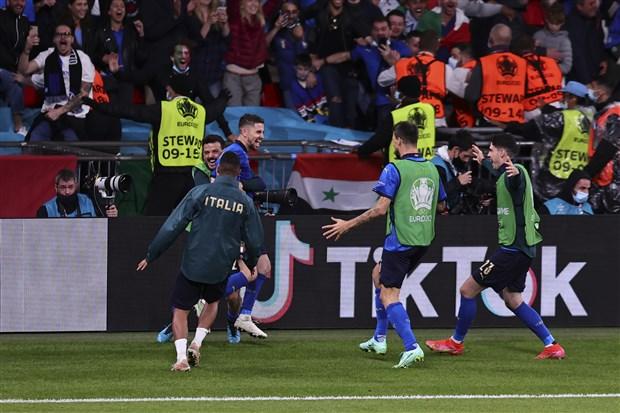 avrupa-futbol-sampiyonasi-nda-finale-cikan-ilk-takim-italya-oldu-896054-1.