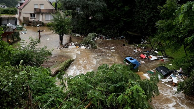 birlesmis-milletler-bir-milyondan-fazla-insan-sel-ve-kurakliktan-oldu-901771-1.