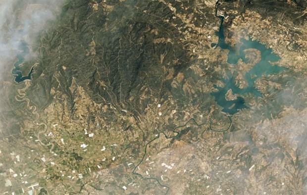 manavgat-ve-marmaris-teki-orman-yanginlarini-uzaydan-goruntulendi-905167-1.