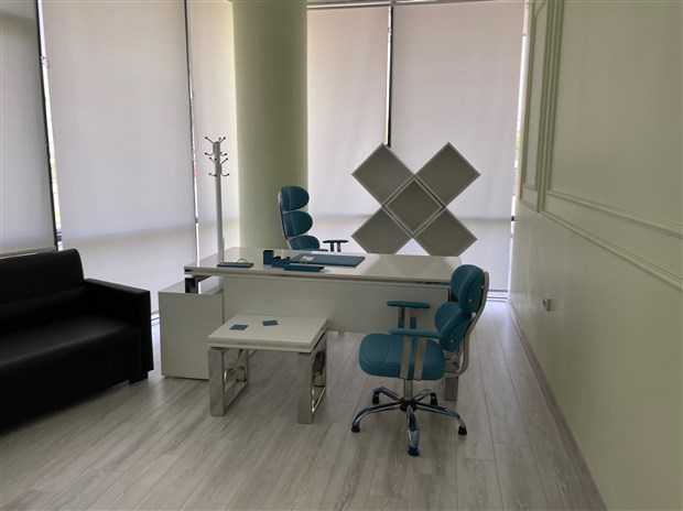 basaksehir-de-dayakli-tedavi-kuyrugu-sarlatanin-ofisi-muhurlendi-905829-1.