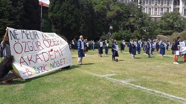 akademisyenlerden-kayyum-rektor-protestosu-913388-1.