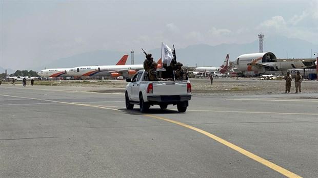 kabil-havalimani-nin-kontrolu-taliban-a-gecti-916441-1.