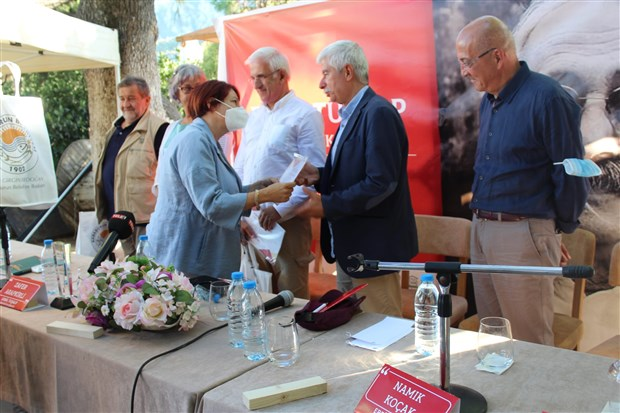 gazeteci-yazar-erbil-tusalp-izmir-de-anildi-917891-1.