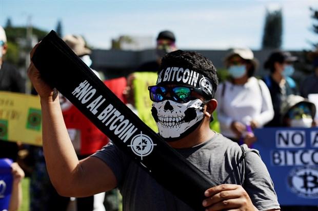el-salvador-da-bitcoin-protestosu-919351-1.