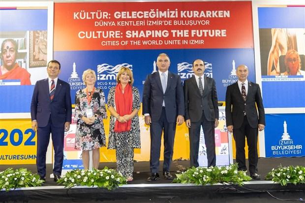 tunc-soyer-uluslararasi-izmir-kultur-zirvesi-nde-konustu-izmir-den-tum-dunyaya-kultur-tohumlari-serpecegiz-919720-1.