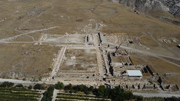 tripolis-antik-kentinde-2-bin-yillik-kanalizasyon-sistemi-bulundu-921002-1.