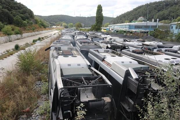 akp-nin-63-milyon-avroluk-zarari-kullanilamayan-metrobusler-curudu-921350-1.