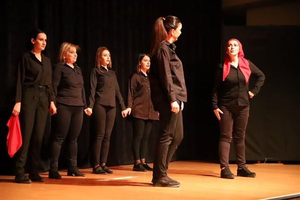 turgutlu-belediyesi-tiyatro-ekibi-seyirciler-ile-tekrar-bulusuyor-931313-1.