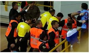 Trabzonspor-Anadolu Efes basketbol maçı yarıda kaldı