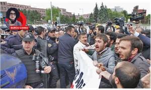 Laiklik eylemine polis saldırdı