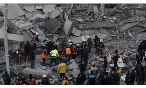 Çöken binanın eski sakini: Can güvenliğimiz yoktu, kendimiz çıktık!