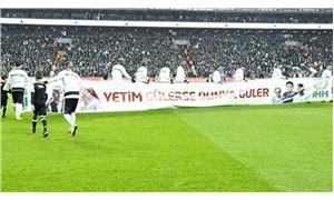 Beşiktaş sahaya İHH pankartıyla çıktı