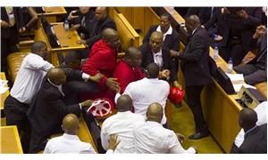 Güney Afrika parlamentosunda kavga