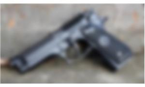 Bahçede gömülü 2 tabanca bulundu