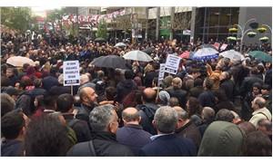 Halk hileli referandumu protesto için sokakta