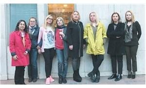 Tutuklu Cumhuriyet yazarlarının eşleri: Geç gelen adalet adalet değildir
