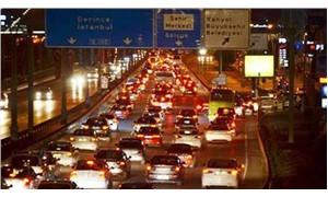 Tatil dönüşü trafik durma noktasında