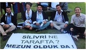 Mezuniyet töreninde 'Silivri ne tarafta? pankartı açan öğrencilere soruşturma