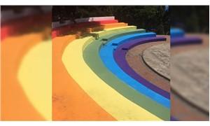 Abbasağa merdivenleri gökkuşağı rengine boyandı